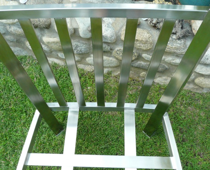 Stainless steel chair frame without side rails